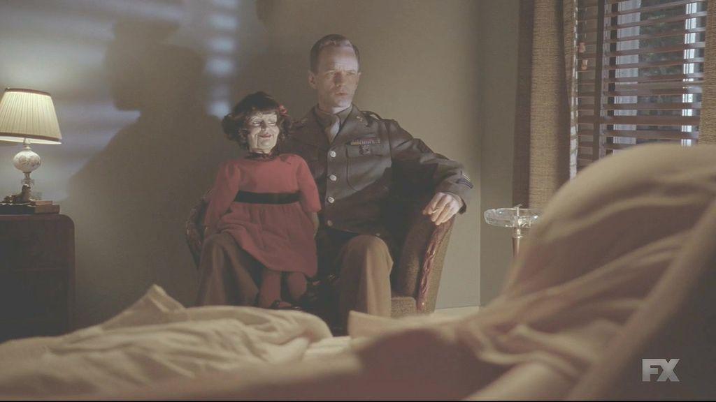 American.Horror.Story.S04E11.720p.HDTV.x264-KILLERS.mkv_20150113_113847.359.jpg