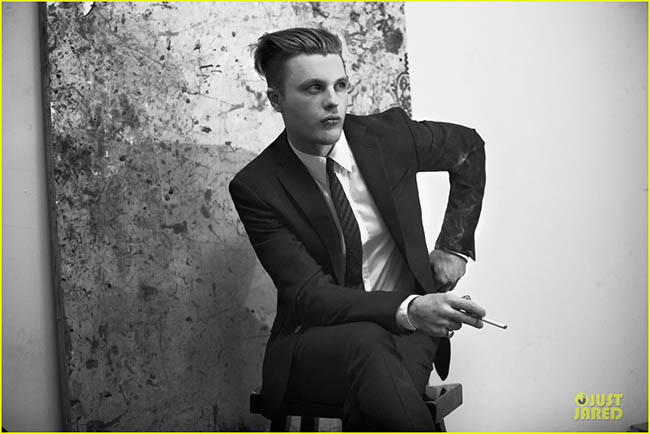 michael-pitt-suitable-for-flaunt-magazine-02.jpg