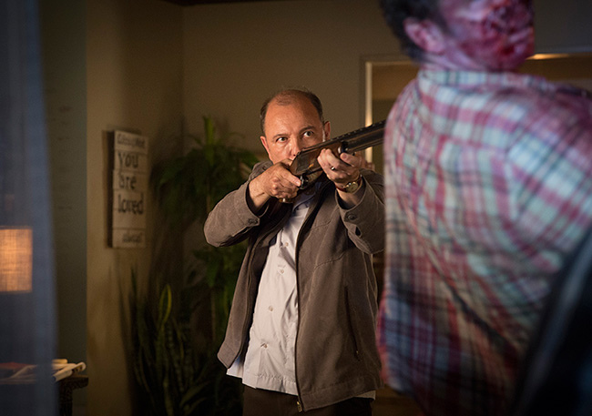 fear-the-walking-dead-episode-103-daniel-blades-935.jpg
