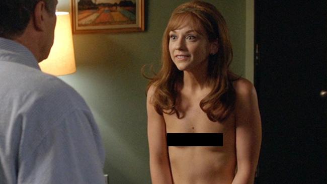 Walking_Dead_Star_Emily_Kinney_Makes_Her_Nude_Debut.jpg