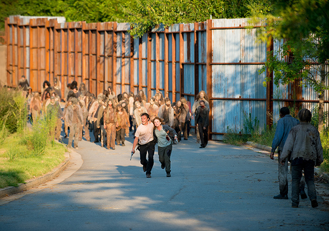 the-walking-dead-episode-608-rick-lincoln-935.jpg