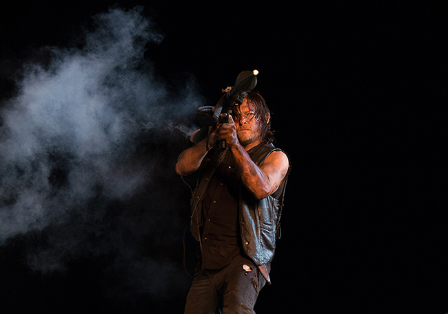 the-walking-dead-episode-609-daryl-reedus-3-935.jpg