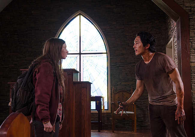 the-walking-dead-episode-609-glenn-and-enid-church.jpg