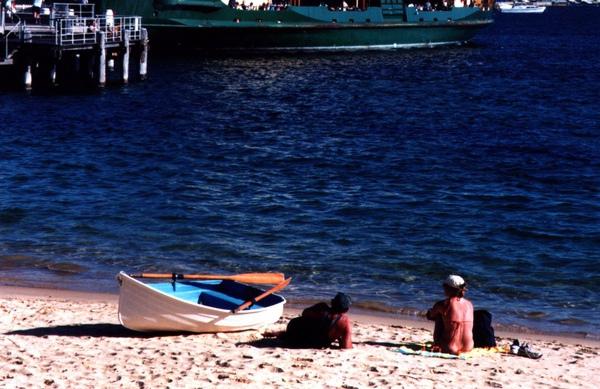 Manly Beach in Sydney.jpg