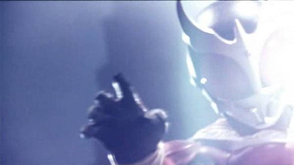 [T-N]Kamen_Rider_Kuuga_01-02Sp[630CB1A7]DVD_Release2200.avi_snapshot_00.01.54_[2011.11.03_21.36.01].jpg