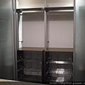 臥室設計-鋁柱衣櫃
