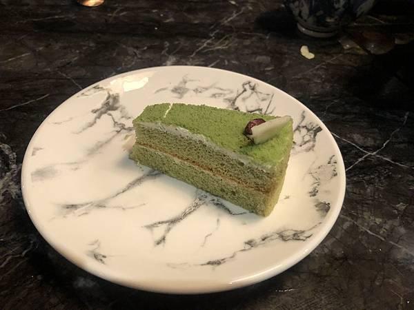 石撈麻辣鍋-蛋糕.JPG