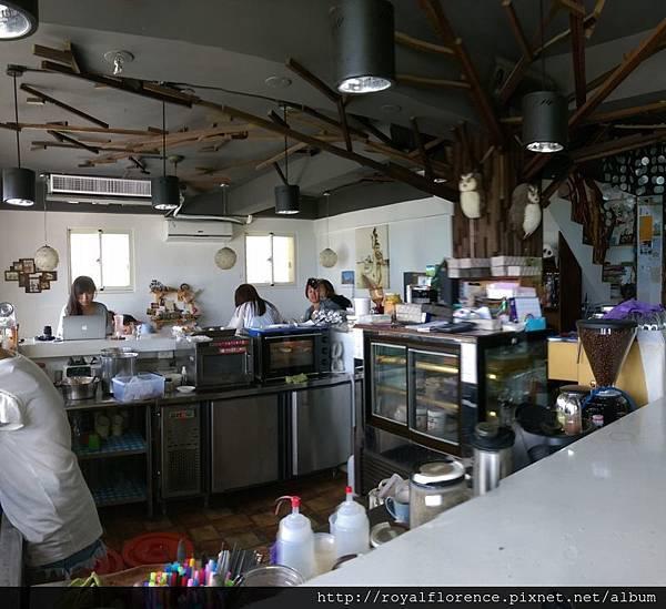 蘭嶼漂流木餐廳3.jpg