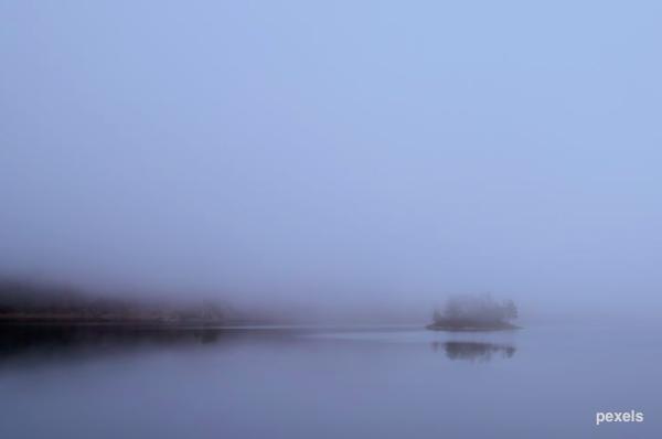 湖上起霧_潭.png