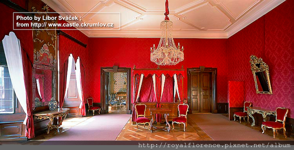 Tour_21_Baroque_bedroom.png