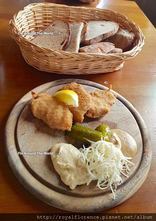 Svejk餐廳18.jpg