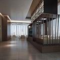 3D實境模擬樓商旅輕食餐廳入口與自助餐區.jpg