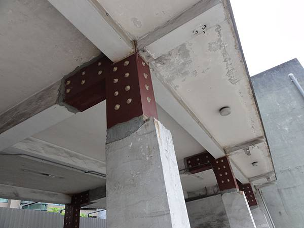 鋼板補強施工.JPG