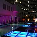 頂樓的泳池!!