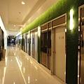明亮的走廊