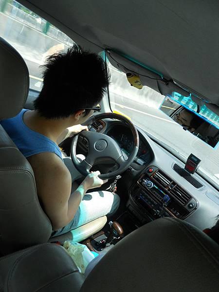 司機依然是老賴