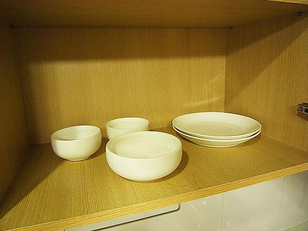 住的地方有提供碗盤很乾淨