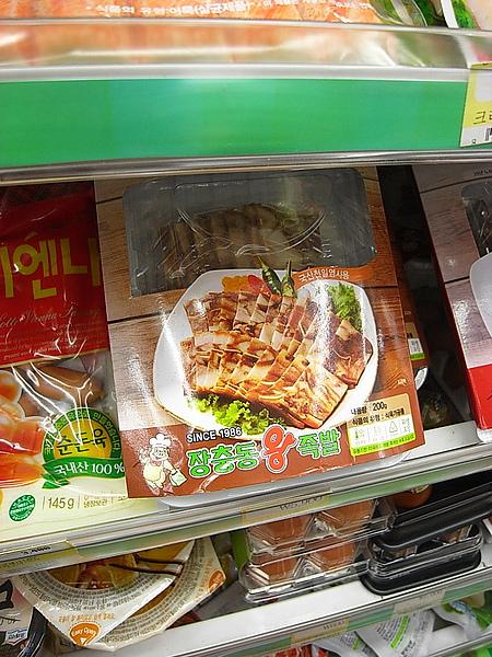 便利商店都有賣生菜包豬肉耶!