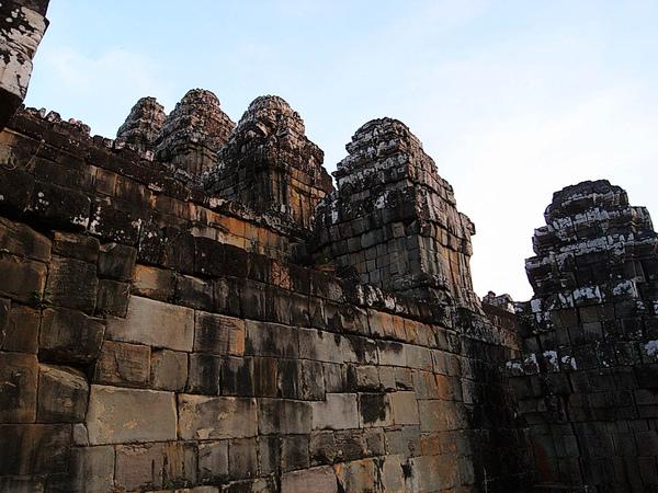 一共108座大小塔(傳說裡善於跳舞的濕婆大神Shiva就是會跳108種舞)