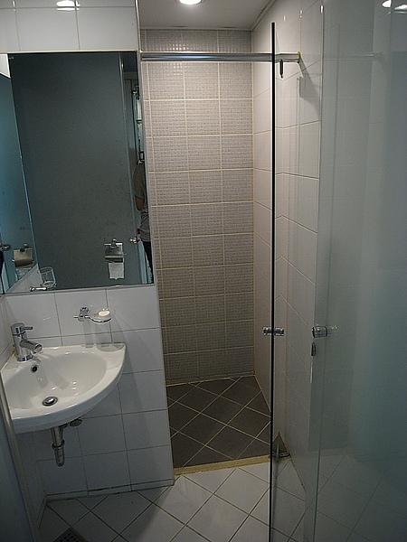 乾溼分離但沒有浴缸