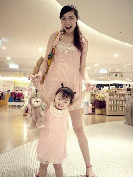 2Y9M]甜美親子裝再一發♥就是要粉嫩嫩