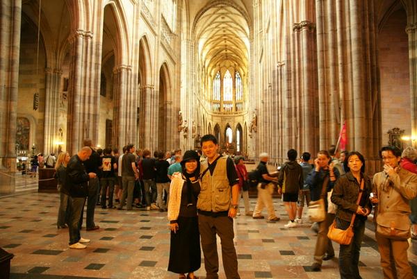 聖維特大教堂--外國人跑來說要跟我們合照