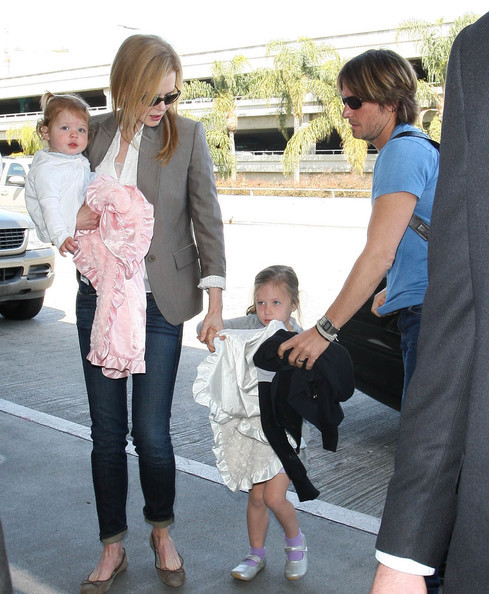 Nicole+Kidman+Takes+Flight+Family+ZqxL7epAjR1l