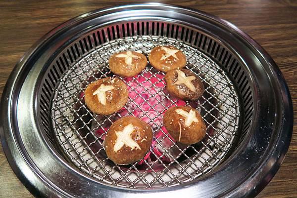 台中岩手燒烤-香菇.jpg