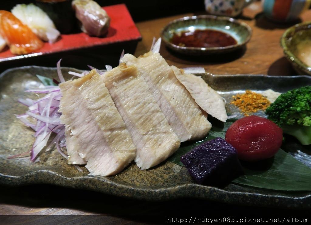 輔大青壽司和食 (2).JPG