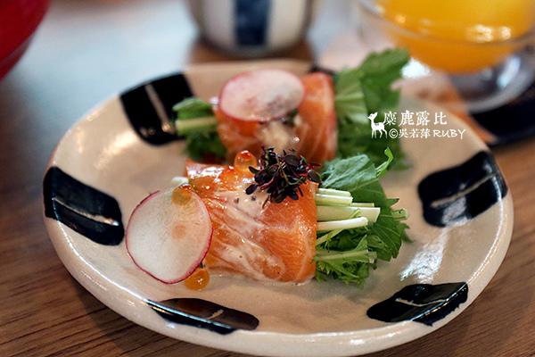 IMGL2238米滋娜鮭魚捲.jpg