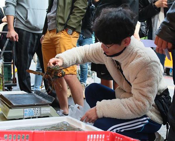 韓國Jonghun Bae的創意料理主角 現在買蟹正是時候(S).jpg