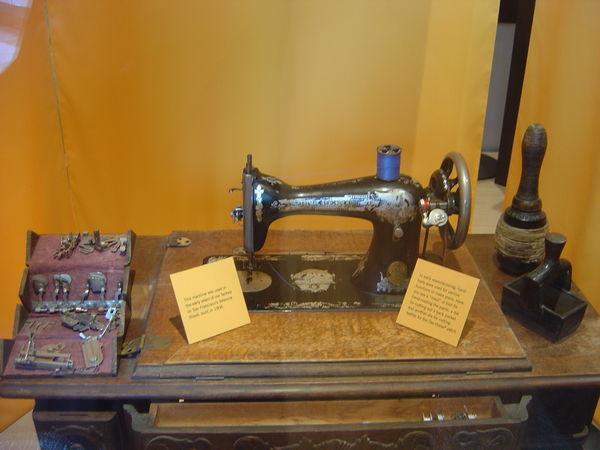 很老的裁縫機
