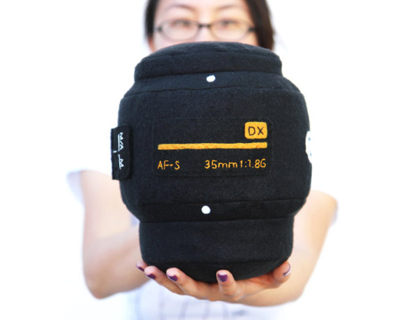 巨型單反相機鏡頭抱枕-3.jpg