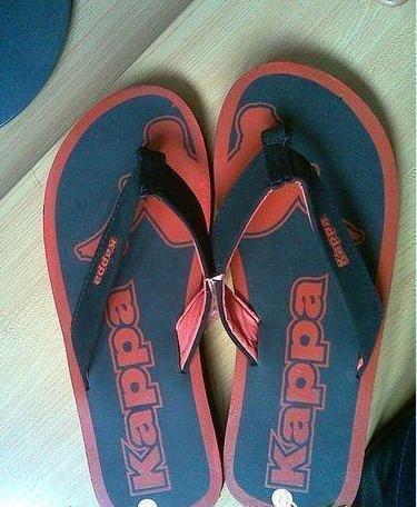 昨天買了雙拖鞋,回家看到鞋底時,我哭了,哭的很傷心-1.jpg