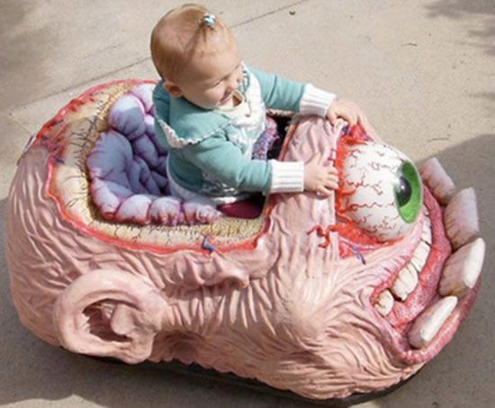 恐怖的嬰兒車-1.jpg