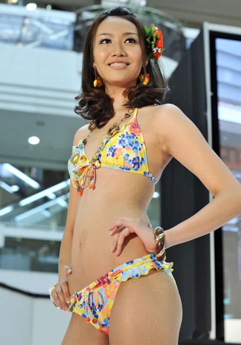 日本靚模熱辣泳裝秀-3.jpg