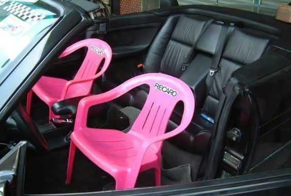 這才叫賽車座椅.jpg