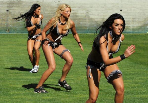 2010 女子內衣橄欖球賽-2.jpg