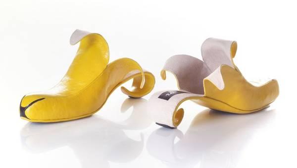 穿了香蕉鞋竟然不會滑倒.jpg