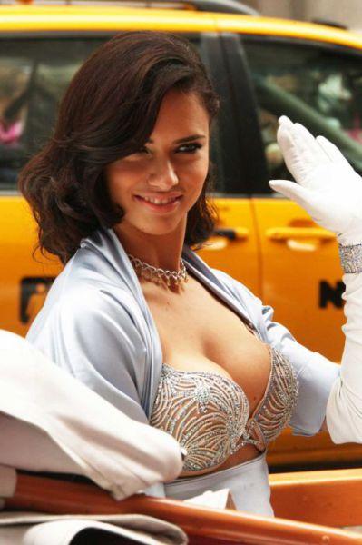 世界最昂貴的胸罩-3.jpg