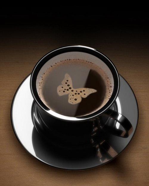 落在咖啡杯中的蝴蝶.jpg