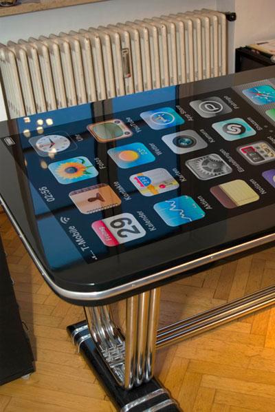 可多點觸控的58吋超大iPhone-4.jpg