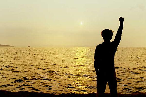 舉手.png
