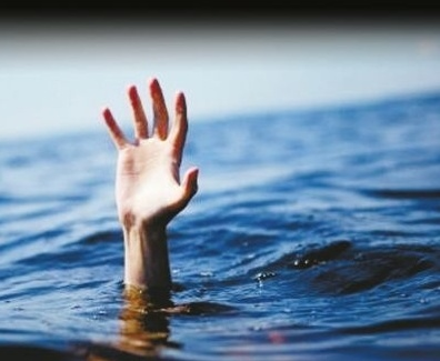 溺水.jpg