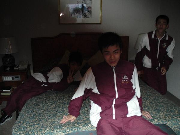 到人家飯店的房間鬧