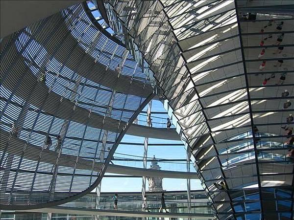 圓頂式玻璃建築