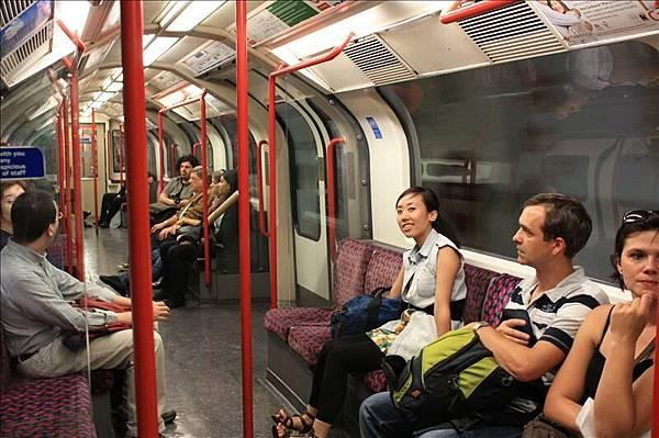倫敦地鐵Tube超圓型的