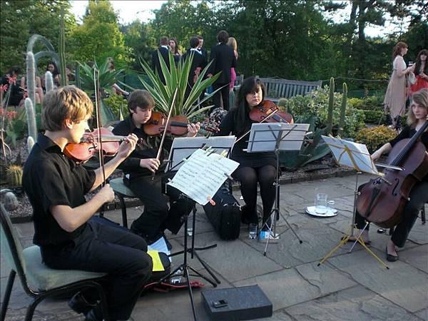戶外地古典樂團