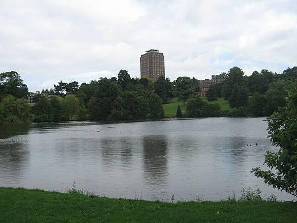 宿舍旁邊的湖畔