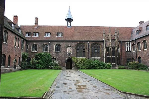 皇后學院是劍橋最老的建築物